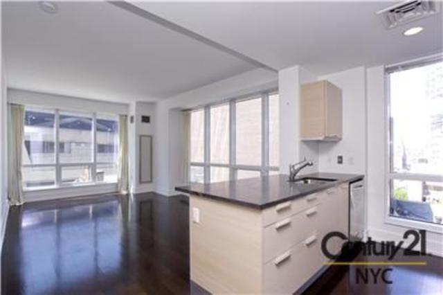 350 West 42nd Street, Unit 6L Image #1