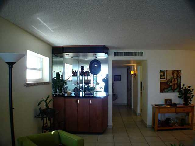 6450 Collins Avenue, Unit 801 Image #1