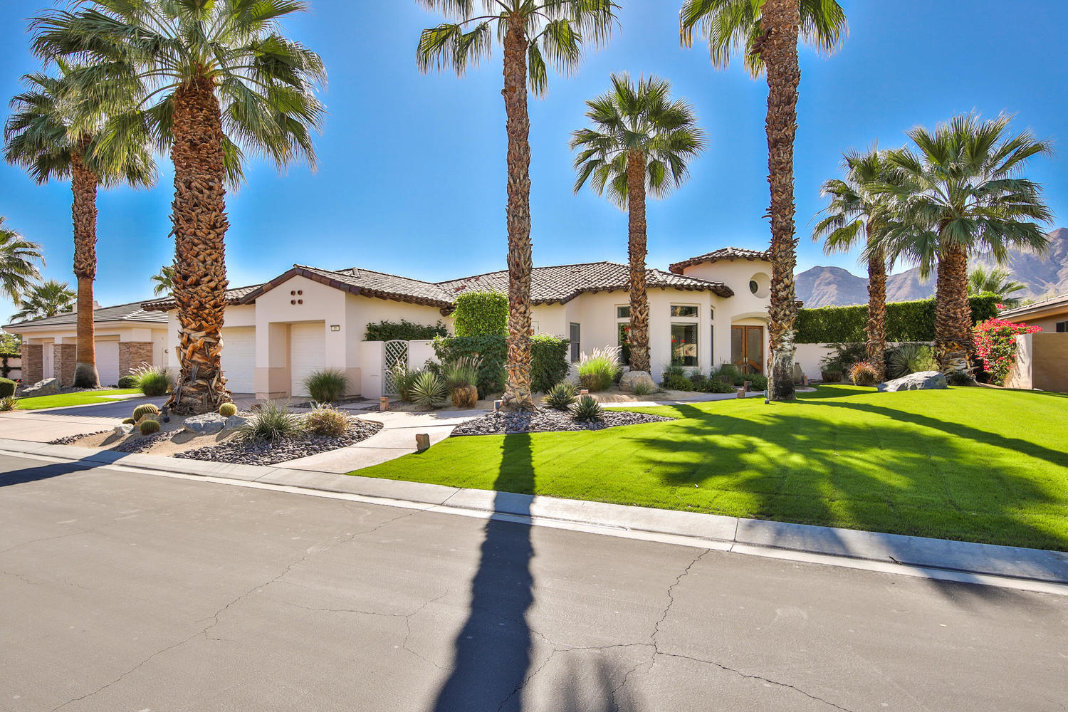 11 Ridgeline Way Rancho Mirage, CA 92270
