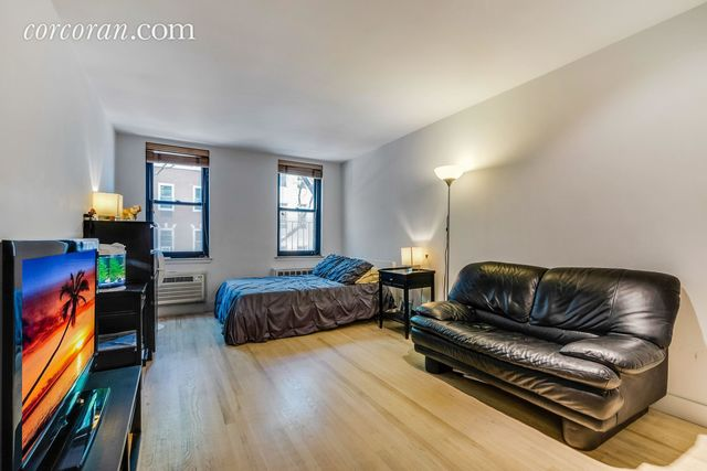 315 West 55th Street, Unit 2F Image #1