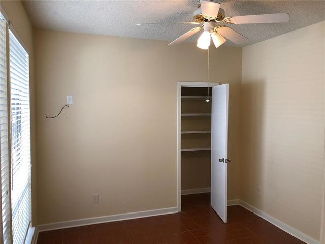 7655 South Braeswood Boulevard, Unit 20 Houston, TX 77071