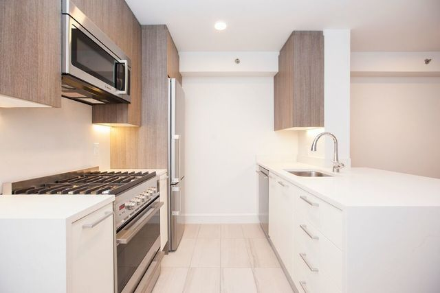 311 West 50th Street, Unit 6B Image #1