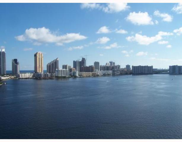 3600 Mystic Pointe Drive, Unit 1615 Image #1