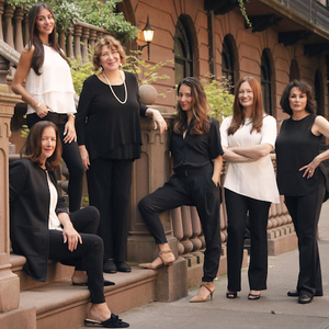 The Bomze Team,                     Agent in NYC - Compass
