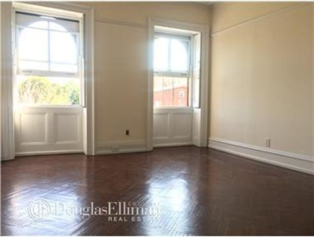 13 Greene Avenue, Unit 3 Image #1