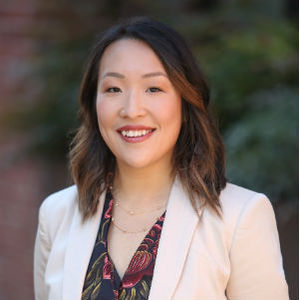 Silvia Zeng,                     Agent in San Francisco - Compass