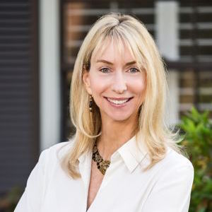 Tracy Alderson,                       Agent in Los Angeles - Compass