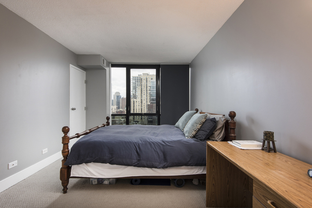 1309 North Wells Street, Unit 1208 Chicago, IL 60610