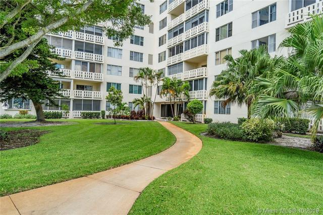 4330 Hillcrest Drive, Unit 306 Hollywood, FL 33021