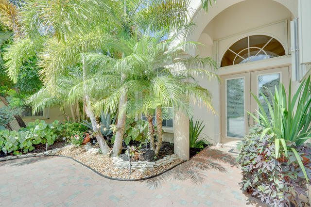 3885 Netherlee Way Wellington, FL 33449