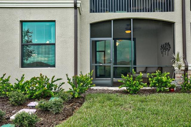 5527 Palmer Circle, Unit 103 Bradenton, FL 34211