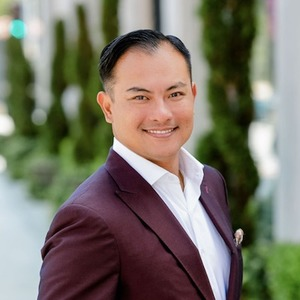 Adrian Tan, Agent in Los Angeles - Compass