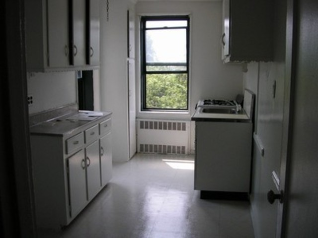 140-18 Burden Crescent, Unit 609 Image #1