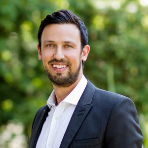 Benjamin Hart,                     Agent in Los Angeles - Compass