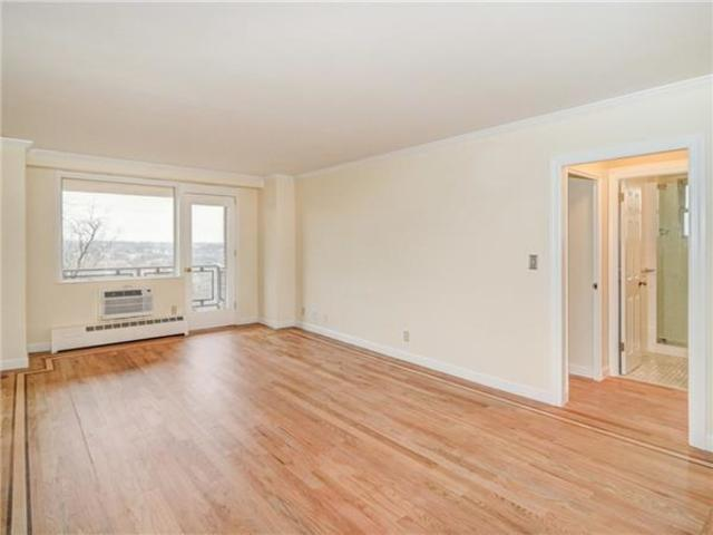 5900 Arlington Avenue, Unit 2C Image #1
