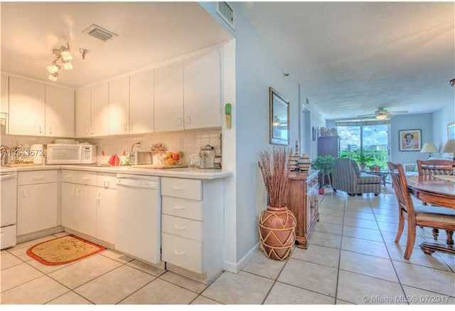 7832 North Collins Avenue, Unit 502 Image #1