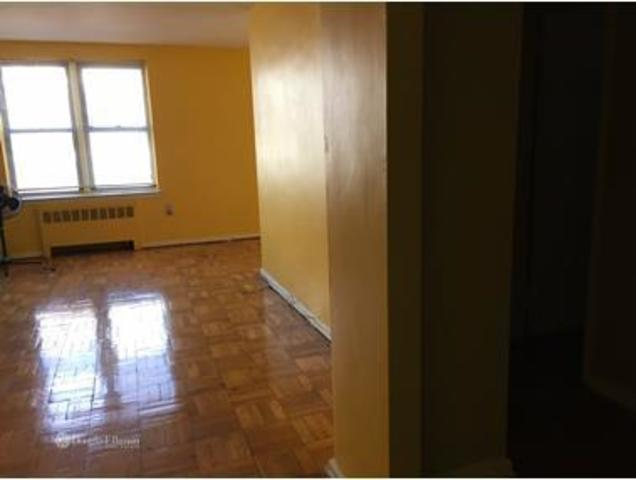 740 East 232nd Street, Unit 1C Image #1