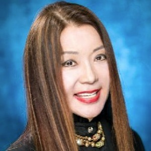 Ety Lee, Agent in NYC - Compass