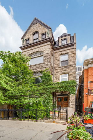 1539 North Wells Street, Unit 3 Chicago, IL 60610
