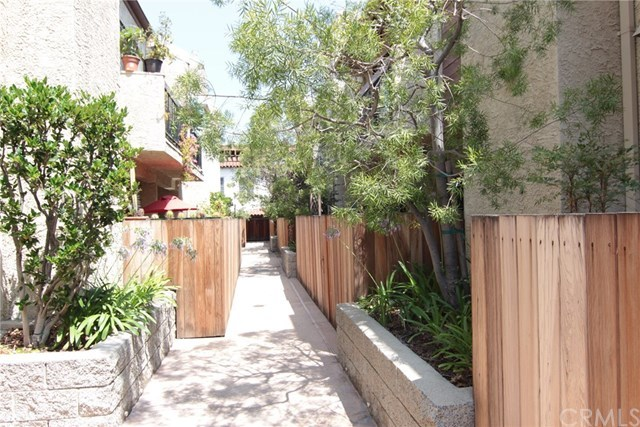 1655 Greenfield Avenue, Unit 9 Los Angeles, CA 90025