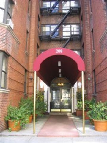 208 East 28th Street, Unit 1M Image #1