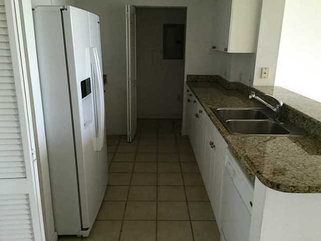 19501 West Country Club Drive, Unit 807 Image #1