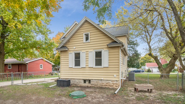 615 North Green Street Sandwich, IL 60548