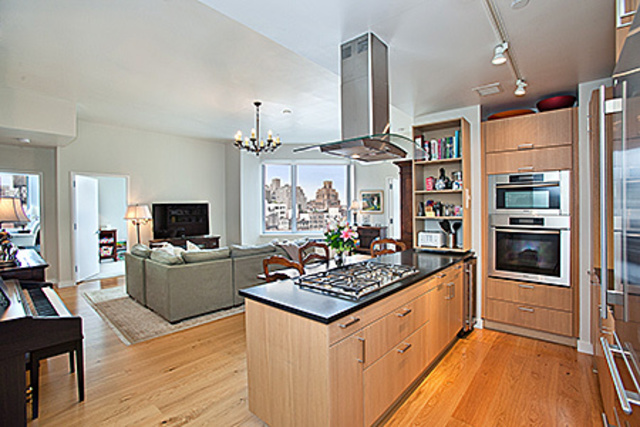 100 West 18th Street, Unit PHC Image #1