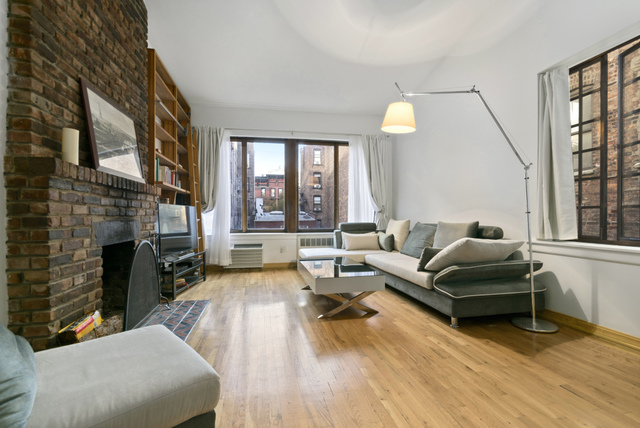10 Charles Street, Unit 4B Manhattan, NY 10014