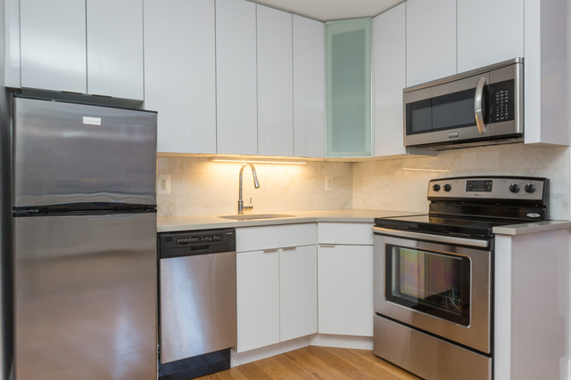 250 west 19th street unit 7c chelsea ny compass for 1633 broadway 3rd floor new york ny 10019