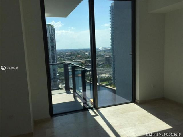 68 Southeast 6th Street, Unit 1808 Miami, FL 33131