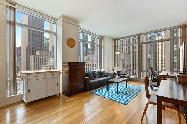 18 West 48th Street, Unit 19E Manhattan, NY 10036