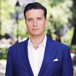 Dominic Couzens,                       Agent in NYC - Compass