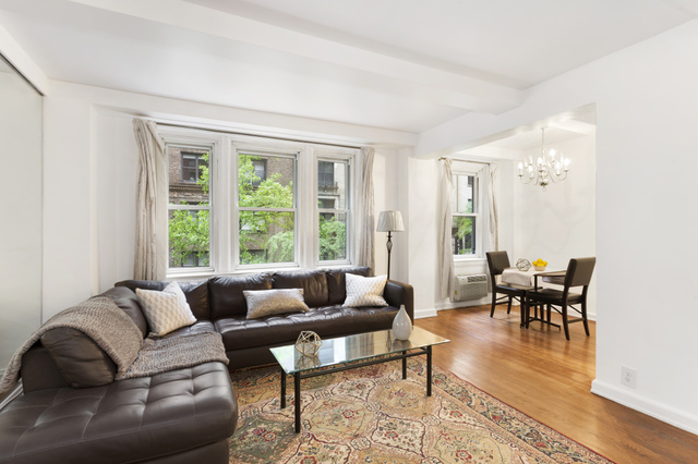 155 East 49th Street, Unit 3A Image #1