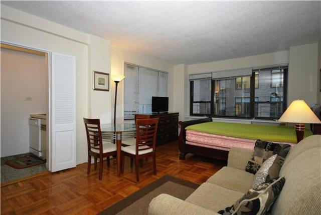 210 East 47th Street, Unit 5A Image #1