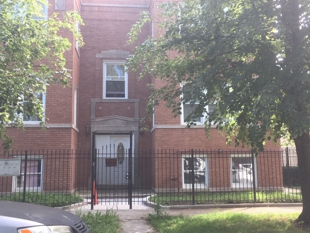 3451 West Evergreen Avenue, Unit 2 Chicago, IL 60651