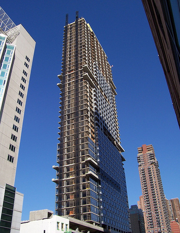635 West 42nd Street, Unit 20D Image #1