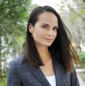 Geane Brito,                     Agent in Miami - Compass