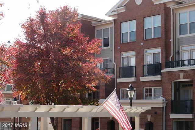 2907 Saintsbury Plaza, Unit 202 Image #1