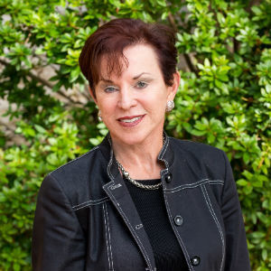 Carolyn Adducci,                     Agent in San Francisco - Compass