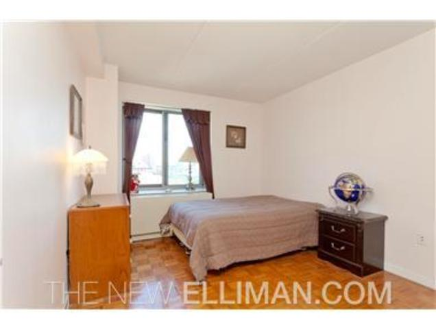 300 West 135th Street, Unit 6D Image #1