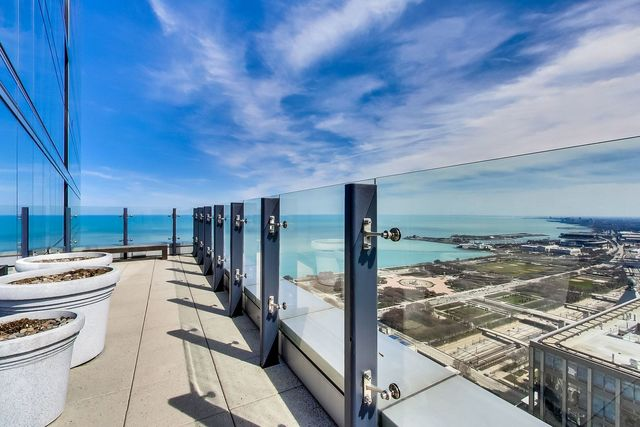 60 East Monroe Street, Unit 3708 Chicago, IL 60603