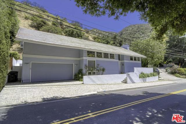 2960 Mandeville Canyon Road Los Angeles, CA 90049