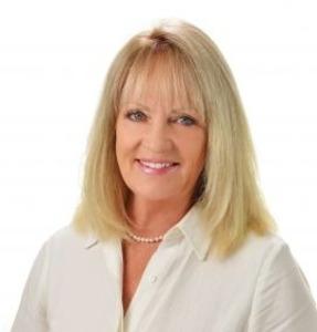 Katie Bentzen, Agent in Los Angeles - Compass