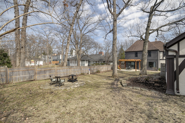 40 Lakeside Place Highland Park, IL 60035