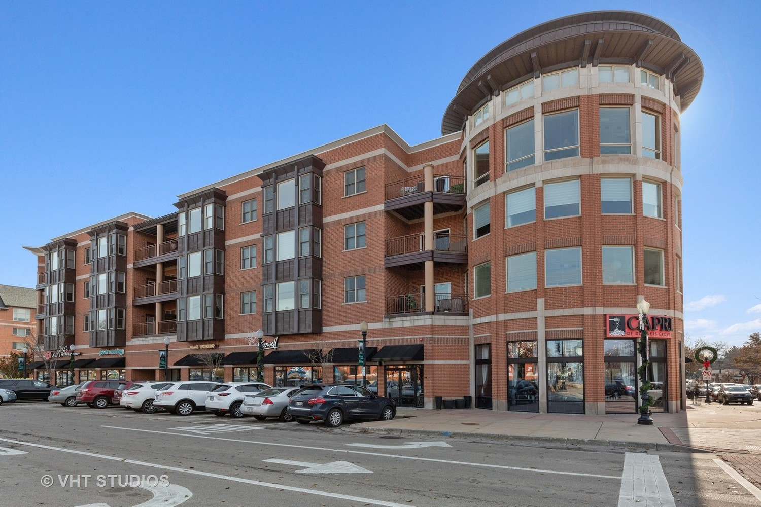 945 Burlington Avenue, Unit 404 Downers Grove, IL 60515