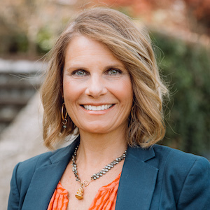 Angela Yotides,                       Agent in Dallas-Fort Worth - Compass
