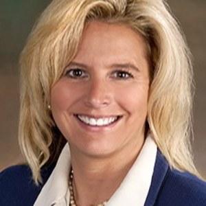 Bobbi Beehler,                     Agent in San Francisco - Compass