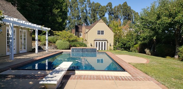 15 Bridle Court Hillsborough, CA 94010