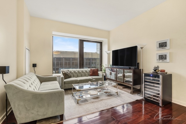 75 Wall Street, Unit 28P Manhattan, NY 10005